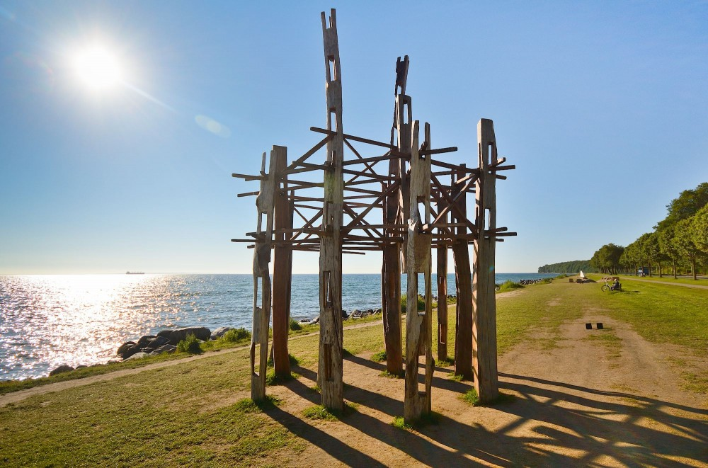 Stephen King: »The Grid«. Sculptures by the Sea, Aarhus 2015 (foto: Rune Engelbreth Larsen)
