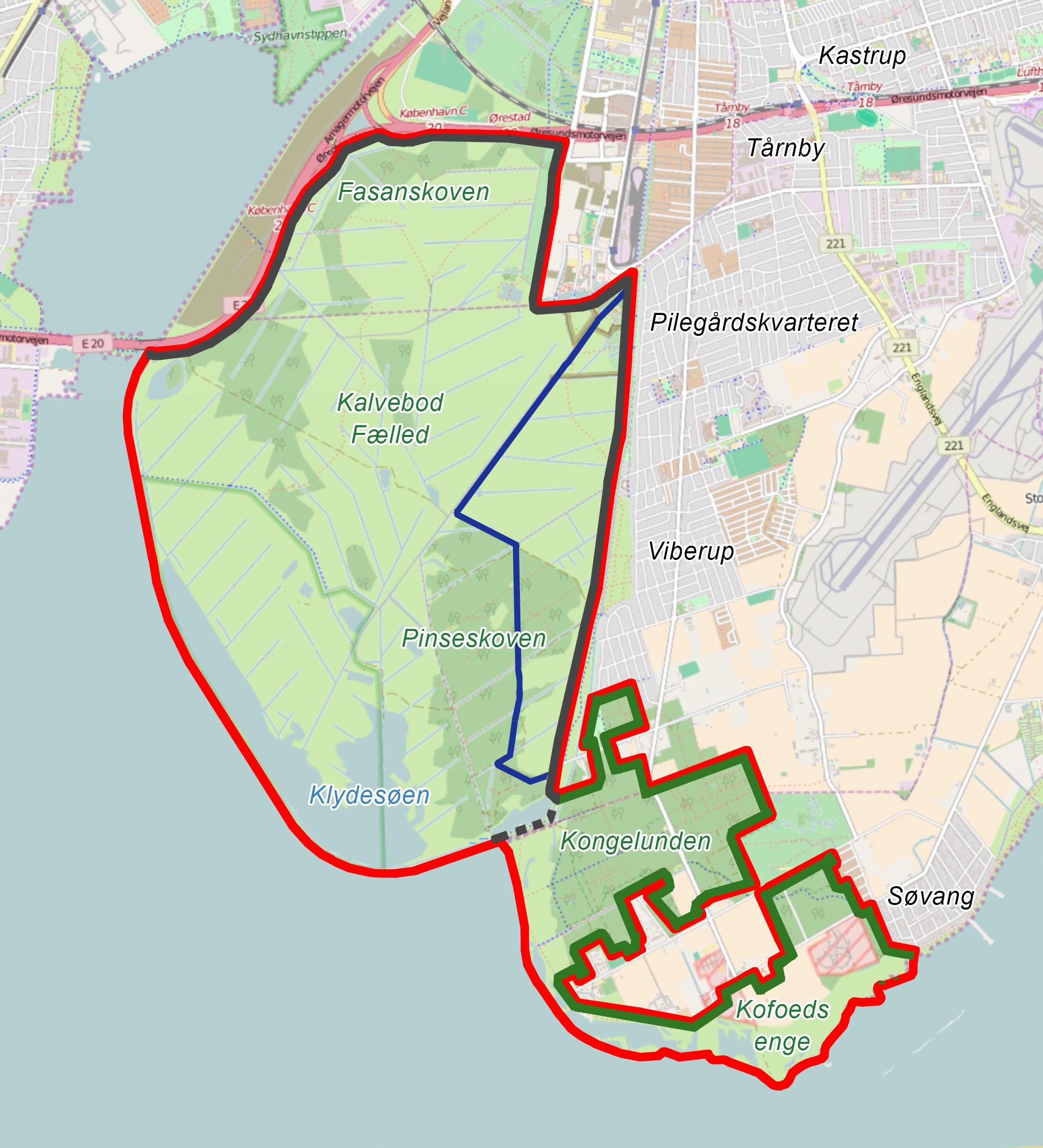 Forslag til hegnslinjer og opdeling af Naturnationalpark Amager (rød linje) med det nuværende hegn (sort linje), forslag til udvidet hegnslinje, der inkluderer Kongelunden og Kofoeds Enge (grøn linje) og et område, der er reserveret til hesteridning og hestefolde (blå linje), og som adskiller tamhestene fra vildhestene (der kan færdes frit på det øvrige areal).