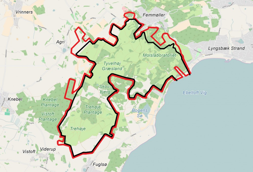 Forslag til et 25 km langt hegn (sort), der flugter Molslaboratoriets nordlige hegnslinje og får en bid af kyststrækningen med