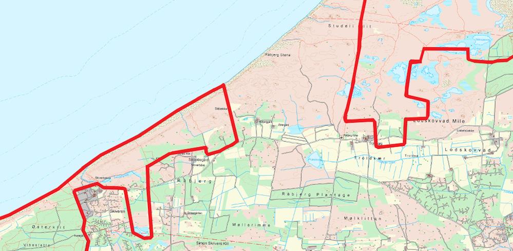 Zoomer vi ind på den nordøstligste del af forslaget til Naturnationalpark Tversted Skov & Kyst og den sydvestligste del af forslaget til Naturnationalpark Skagens Odde, er det tydeligt at se, hvor oplagt en sammenhæng der kan knyttes til Naturnationalpark Skagens Odde – der er ikke meget mere end et par kilometers afstand (og ca. 150-200 hektar natur i privat eje) imellem dem